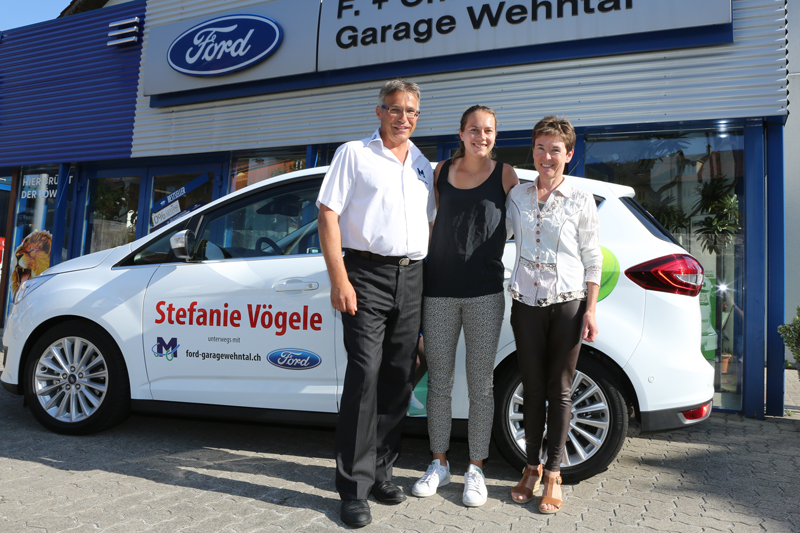Neuer ford c max f r schweizer tennisstar agvs upsa for Garage ford saint louis