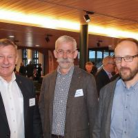 Beppi Dillier (Verkaufsleiter Nutzfahrzeug AG Zentralschweiz, Mitte), Hans Peter Geser (Geschäftsführer Nutzfahrzeug AG Zentralschweiz, r.), Alfred Bräker (Geschäftsführer/Inhaber Alfag Egerkingen, l.)
