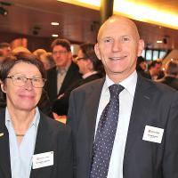 Bernadette Langenick (auto-i-dat AG) und Andreas Burgener (Direktor auto-schweiz)