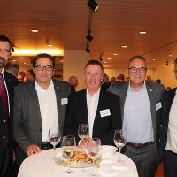 Gerhard Schürmann (président de la direction d'Emil Frey AG), Mario Gozzer (ancien directeur de Keto Autocenter AG), Werner Leuenberger (directeur de Schulhausgarage AG), Kenny Eichenberger (directeur de Kenny's Auto Center AG) et Afrim Alili (Keto Autocenter AG)