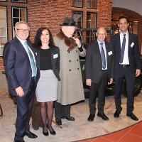 Karl Baumann (UPSA), Jennifer Isenschmid (UPSA), Kurt Giger (responsabile Sales di Ernst Ruckstuhl AG) e Marc Kessler (CEO di Quality1 AG)