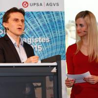 Philipp Ries (Google) e Moderatorin Miriam Rickli