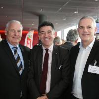Kurt Aeschlimann (Autohaus Steffisburg), Markus Aegerter (AGVS) und Martin Kindler (AGVS-Sektion Bern)