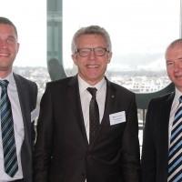 de g. Andreas et Peter Baschnagel (Baschnagel AG) et Manfred Wellauer (Vice-président UPSA)