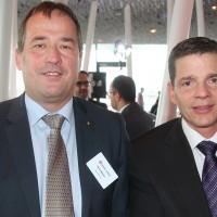 Da sinistra: Daniel Wetzler (Auto Outlet AG) e Markus Hesse (Consiglio centrale dell UPSA)