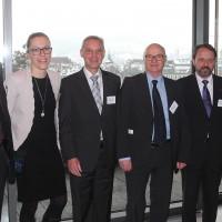 de g. Franz Galliker, Irene Schüpbach, Gaetano Gentile, René Schoch, Kurt Pfeuti et Heinz Kaufmann (UPSA)