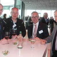 v.r. Roland Huguelet (Evo Bus AG), Nicolas Leuba (Präsident AGVS Sektion VD), Andreas Caillet und Erwin Kaufmann (Evo Bus AG)