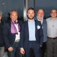 Da destra: Claudio Bianda (Garage Cristallina SA), Gaetano Collantuono (Garage Royal Pambio Noranco SA), Milton Binaghi (Garage Binaghi SA), Roberto Bonfanti (Presidente UPSA sezione TI) e Ezio Forzatti (Auto Piû S. a. g. l.)